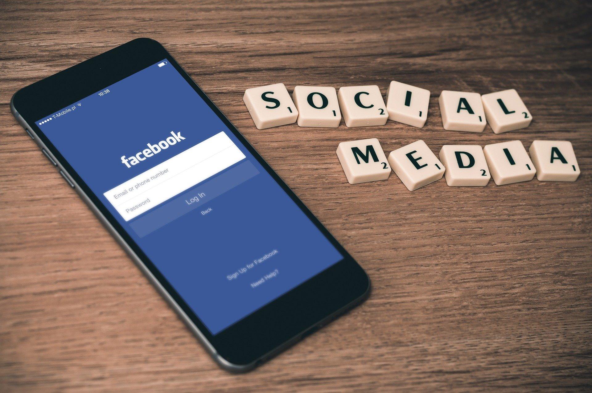 social media, telefon, facebook