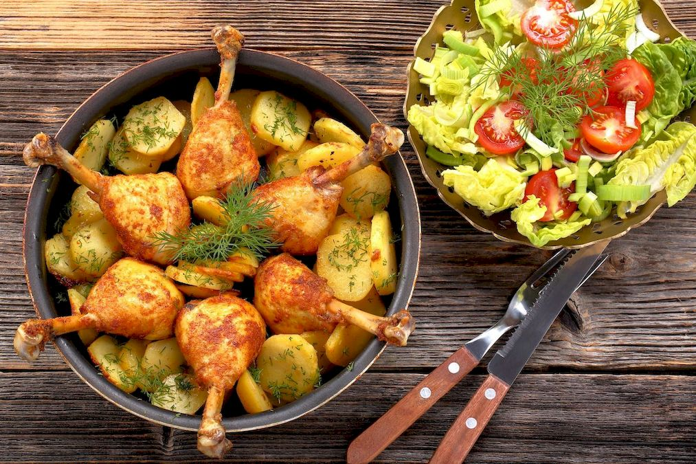fotografie culinara, pulpe de pui si salata